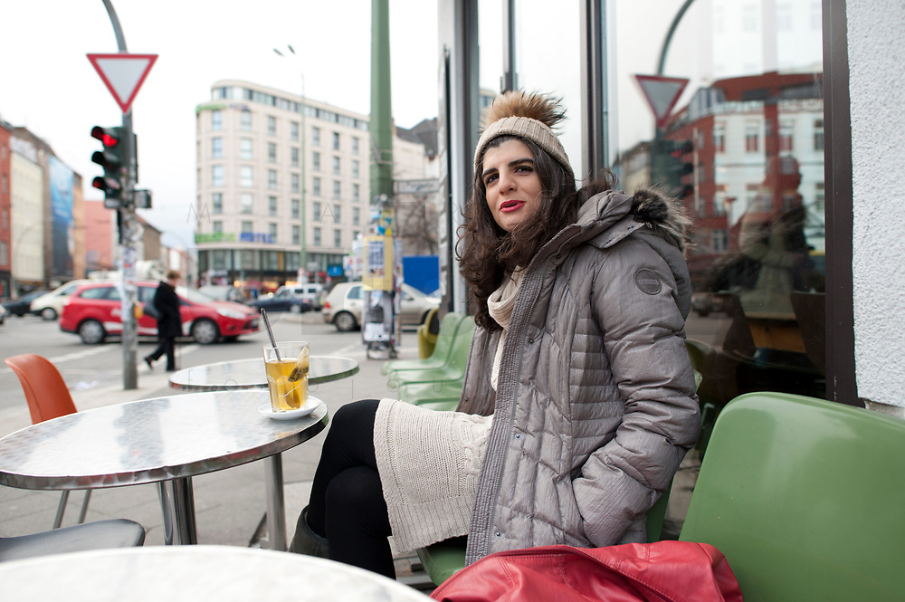 04 JAN 2012, BERLIN/GERMANY:<br /> Shermin Voshmgir, Filmemacherin und Gruenderin des Start-ups cinovu.com, Cafe Oberholz, Rosenthaler Platz<br /> IMAGE: 20120104-01-009