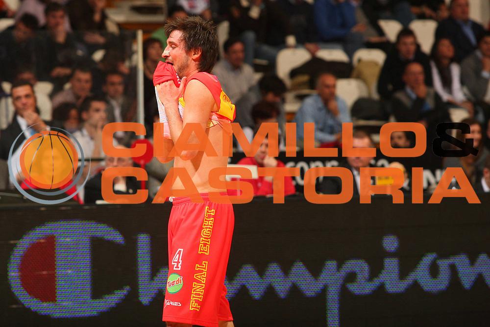 DESCRIZIONE : Bologna Final Eight 2008 Quarti di Finale Pierrel Capo Orlando Angelico Biella <br /> GIOCATORE : Gianmarco Pozzecco <br /> SQUADRA : Pierrel Capo Orlando <br /> EVENTO : Tim Cup Basket For Life Coppa Italia Final Eight 2008 <br /> GARA : Pierrel Capo Orlando Angelico Biella <br /> DATA : 08/02/2008 <br /> CATEGORIA : Delusione <br /> SPORT : Pallacanestro <br /> AUTORE : Agenzia Ciamillo-Castoria/S.Silvestri