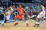 DESCRIZIONE : Caserta campionato serie A 2013/14 Pasta Reggia Caserta EA7 Olimpia Milano<br /> GIOCATORE : Chris Roberts<br /> CATEGORIA : controcampo blocco<br /> SQUADRA : Pasta reggia Caserta<br /> EVENTO : Campionato serie A 2013/14<br /> GARA : Pasta Reggia Caserta EA7 Olimpia Milano<br /> DATA : 27/10/2013<br /> SPORT : Pallacanestro <br /> AUTORE : Agenzia Ciamillo-Castoria/GiulioCiamillo<br /> Galleria : Lega Basket A 2013-2014  <br /> Fotonotizia : Caserta campionato serie A 2013/14 Pasta Reggia Caserta EA7 Olimpia Milano<br /> Predefinita :