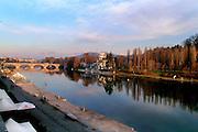 Torino Il Po ed i Murazzi