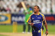 CAPE TOWN, SOUTH AFRICA - 22 February 2008, Charl Langeveldt during the MTN Domestic Championship match between the Nashua Cape Cobras and the Nashua Dolphins held at Sahara Park, Newlands Stadium in Cape Town, South Africa...Photo by Ron Gaunt/SPORTZPICS