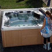 NLD/Eemnes/20060921 - Perspresentatie de Gouden Kooi, villa, jacuzzi, whirlpool