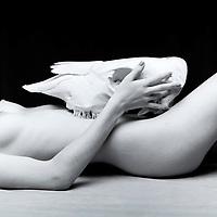 kelly nude w/ skull 2