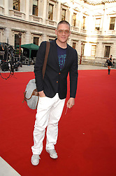 GILES DEACON at the Royal Academy of Art Summer Exhibition Preview Party on 4th June 2008.<br />