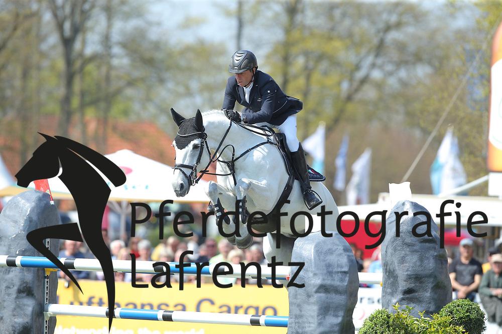 Nagel, Carsten-Otto (GER) Holiday by Solitour<br /> Redefin - Pferdefestival 2016<br /> © www.sportfotos-lafrentz.de