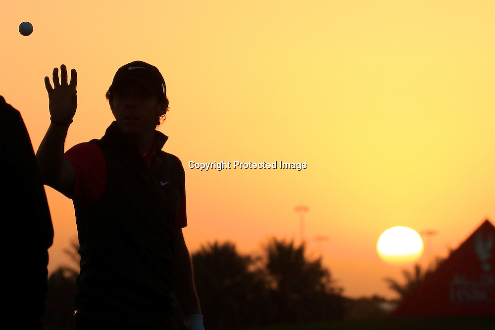 17/01/2013 European Tour 2013, Abi Dhabi HSBC Golf Championship, Abu Dhabi Golf Club, Abu Dhabi, United Arab  Emirates. 17-20 Jan. Rory  McIlroy of Northern Ireland on the range prior to the first round.