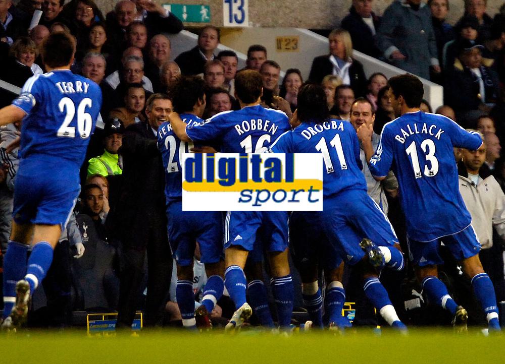 Photo: Ed Godden.<br /> Tottenham Hotspur v Chelsea. The Barclays Premiership. 05/11/2006. Chelsea celebrate after opening the scoring.