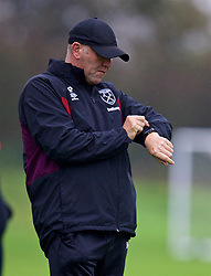 LONDON, ENGLAND - Saturday, November 4, 2017: West Ham United's coach Mark Phillips during the Under-18 Premier League Cup Group D match between West Ham United FC and Liverpool FC at Little Heath. (Pic by David Rawcliffe/Propaganda)