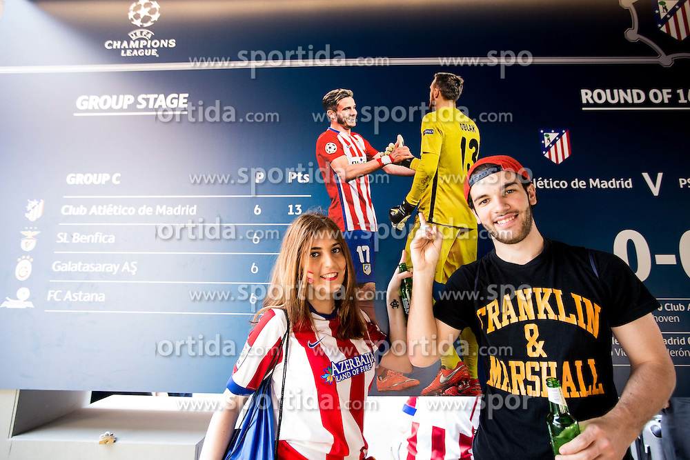 Jan Oblak's Fans in the city centre prior to the football match between Real Madrid (ESP) and Atlético Madrid (ESP) in Final of UEFA Champions League, on May 28, 2016 in Doumo, Milan, Italy. Photo by Vid Ponikvar / Sportida