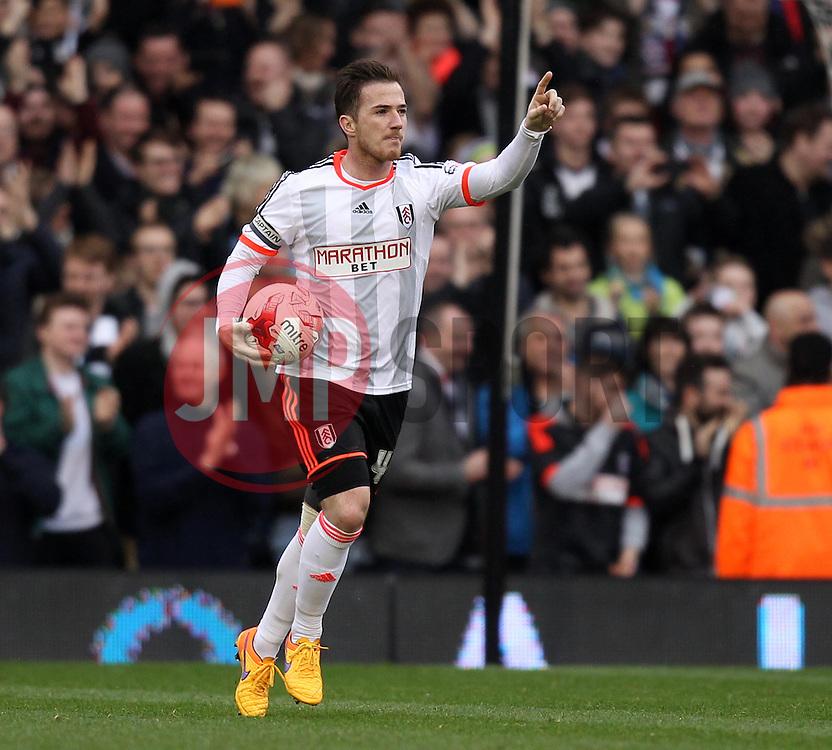 Fulham's Ross McCormack celebrates scoring - Photo mandatory by-line: Robbie Stephenson/JMP - Mobile: 07966 386802 - 03/04/2015 - SPORT - Football - Fulham - Craven Cottage - Fulham v Brentford - Sky Bet Championship