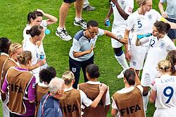09.07.2011, FIFA Frauen-WM-Stadion Leverkusen, Leverkusen, GER, FIFA Women Worldcup 2011, Viertelfinale, England (ENG) vs. Frankreicht (FRA), im Bild:  Hope Powell (Coach England) gibt letzte Anweisungen.. // during the FIFA Women´s Worldcup 2011, Quaterfinal, England vs France on 2011/07/09, FIFA Frauen-WM-Stadion Leverkusen, Leverkusen, Germany.   EXPA Pictures © 2011, PhotoCredit: EXPA/ nph/  Mueller *** Local Caption ***       ****** out of GER / CRO  / BEL ******