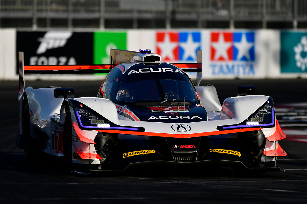 #7 Acura Team Penske Acura DPi, P: Helio Castroneves, Ricky Taylor<br /> Friday 13 April 2018<br /> BUBBA burger Sports Car Grand Prix at Long Beach<br /> Verizon IndyCar Series<br /> Streets of Long Beach CA USA<br /> World Copyright: Scott R LePage<br /> LAT Images
