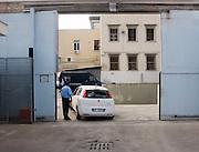 Foto di Donato Fasano Photoagency, nella foto : 21 09 2009 Bari l'ingresso del  gip del tribunale Vito Fanizzi che lo interrogherà nel carcere di Bari.