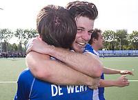 UTRECHT -  Vreugde bij Kampong, Lars Balk (Kampong) en Sjoerd de Wert (Kampong)   na  de finale van de play-offs om de landtitel tussen de heren van Kampong en Amsterdam (3-1). Kampong is weer landskampioen. COPYRIGHT KOEN SUYK