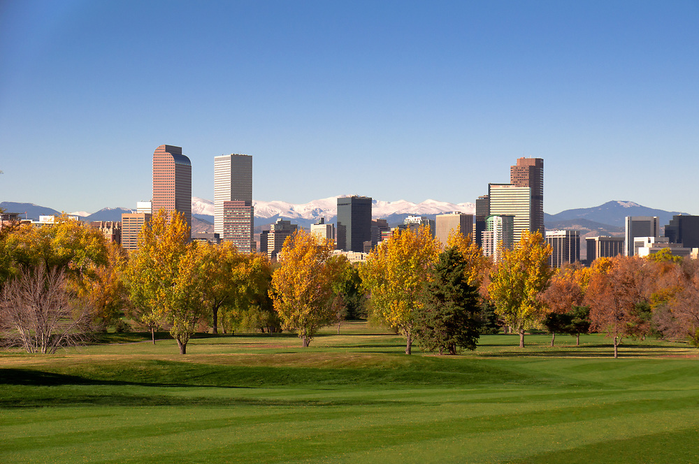 This picture shows a view of Denver from the east side near City Park.<br />