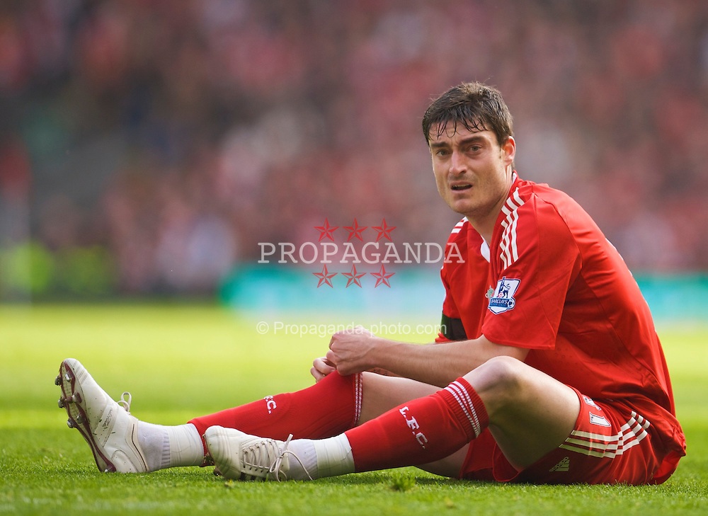 LIVERPOOL, ENGLAND - Sunday, March 22, 2009: Liverpool's Albert Riera during the Premiership match against Aston Villa at Anfield. (Photo by David Rawcliffe/Propaganda)
