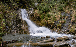 THEMENBILD - ein kleiner Wasserfall, aufgenommen am 28. April 2019 in Kaprun, Oesterreich // a small waterfall in Kaprun, Austria on 2019/04/28. EXPA Pictures © 2019, PhotoCredit: EXPA/ JFK