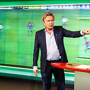NLD/Hilversum/20160526 - perspresentaties NOS Sportzomer 2016, EK Voetbal & Tour de France, Tom Egbers