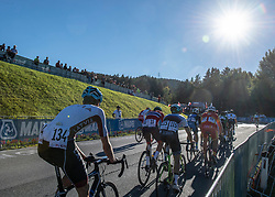 27.09.2018, Innsbruck, AUT, UCI Straßenrad WM 2018, Straßenrennen, Junioren, von Kufstein nach Innsbruck (138,4 km), im Bild Das Peleton im Anstieg Igls // the peleton at climb to Igls during the road race of the Junior Men from Kufstein to Innsbruck (138,4 km) of the UCI Road World Championships 2018. Innsbruck, Austria on 2018/09/27. EXPA Pictures © 2018, PhotoCredit: EXPA/ Reinhard Eisenbauer