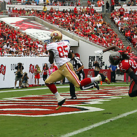 San Francisco 49ers tight end Vernon Davis (85) makes a catch for a touchdown during an NFL football game between the San Francisco 49ers  and the Tampa Bay Buccaneers on Sunday, December 15, 2013 at Raymond James Stadium in Tampa, Florida.. (Photo/Alex Menendez)