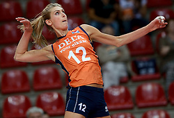 25-09-2014 ITA: World Championship Volleyball Nederland - USA, Verona<br /> Nederland verliest met 3-0 van team USA / Manon Flier