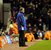 Photo: Leigh Quinnell.<br /> Arsenal v Portsmouth. The Barclays Premiership.<br /> 28/12/2005. A lonely Harry Redknapp looks on from the touch line.