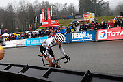 Belgium, Sunday 13th December 2015: Race leader Helen Wyman powers up the steep Raidillon corner towards the finish line and victory at the Hansgrohe Superprestige cyclocross races at Spa Francorchamps.<br />