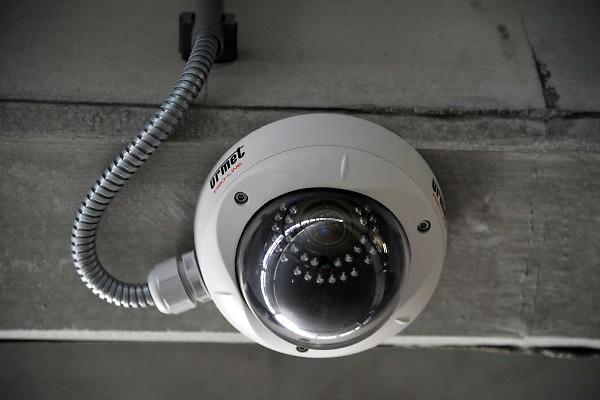 Nederland, Boxmeer, 22-4-2011Een bewakingscamera hangt in de parkeergarage van het Maasziekenhuis.Foto: Flip Franssen/Hollandse Hoogte