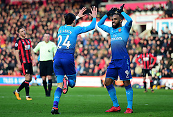 Hector Bellerin of Arsenal celebrates with Alexandre Lacazette of Arsenal - Mandatory by-line: Alex James/JMP - 14/01/2018 - FOOTBALL - Vitality Stadium - Bournemouth, England - Bournemouth v Arsenal - Premier League