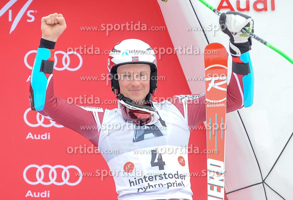 28.02.2016, Hannes Trinkl Rennstrecke, Hinterstoder, AUT, FIS Weltcup Ski Alpin, Hinterstoder, Riesenslalom, Herren, Podium, im Bild Henrik Kristoffersen (NOR) 3.Platz // Henrik Kristoffersen of Norway(third place) celebrates on Podium of men's Giant Slalom of Hinterstoder FIS Ski Alpine World Cup at the Hannes Trinkl Rennstrecke in Hinterstoder, Austria on 2016/02/28. EXPA Pictures © 2016, PhotoCredit: EXPA/ ERICH SPIESS