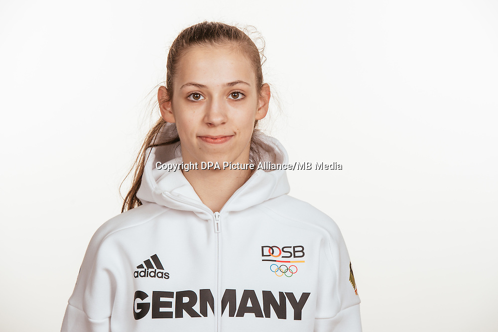 Julia Stavickaja poses at a photocall during the preparations for the Olympic Games in Rio at the Emmich Cambrai Barracks in Hanover, Germany, taken on 15/07/16   usage worldwide
