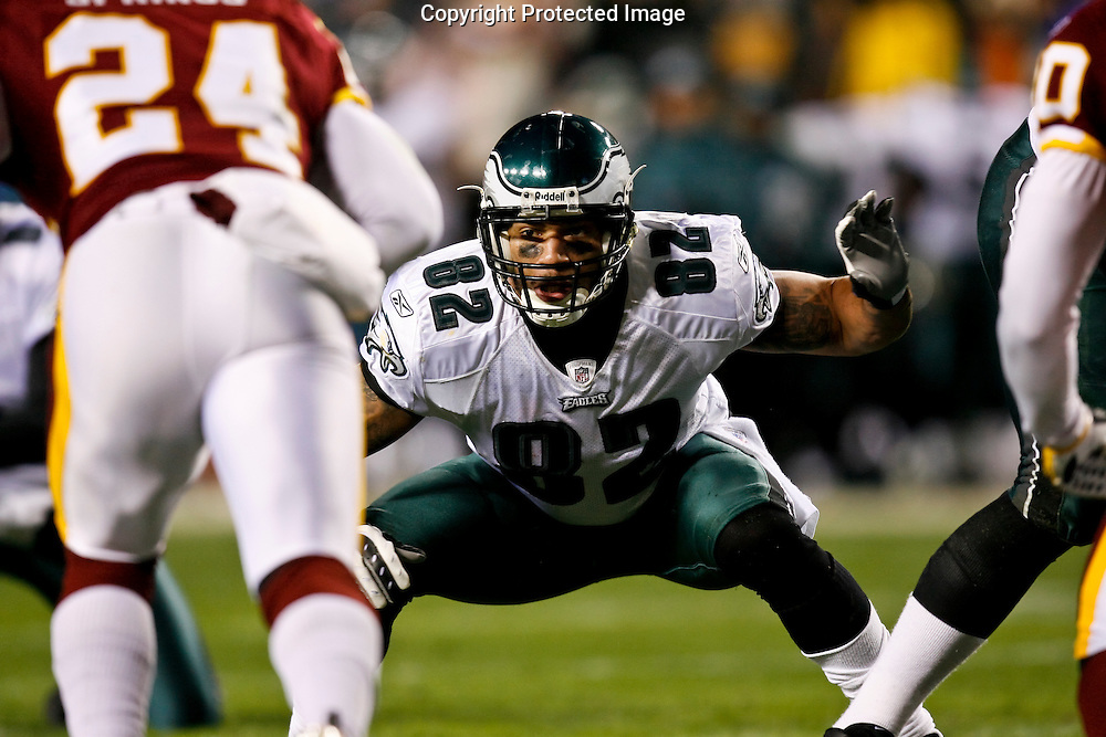 21 Dec 2008: Philadelphia Eagles tight end L.J. Smith #82 prepares to hold the line for a field goal attempt during the game against the Washington Redskins on December 21st, 2008. The Redskins beat the Eagles 10-3 at FedEx Field in Landover, Maryland.