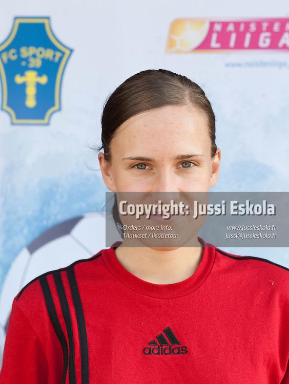 Maarit Vitikka. FC Sport -39. Naisten Liiga. 29.5.2010. Photo: Jussi Eskola