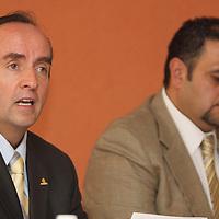 Toluca, Mex.- Edgar Cerecero López, presidente de COPARMEX en la entidad afirmo en conferencia de prensa que el avance en el tema de educación ha sido mínimo, y no se ha concretado una transformación radical para tener un sistema educativo de calidad, ya que esta sigue sujeta a intereses y negociaciones de todo tipo. Agencia MVT / Crisanta Espinosa. (DIGITAL)<br /> <br /> NO ARCHIVAR - NO ARCHIVE