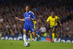 LONDON, ENGLAND - Wednesday, May 6, 2009: Chelsea's Jose Bosingwa in action against Barcelona during the UEFA Champions League Semi-Final 2nd Leg match at Stamford Bridge. (Photo by Carlo Baroncini/Propaganda)
