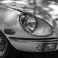 Jaguar E-Type 4.2 headlight detail black and white