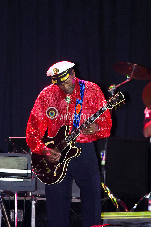 Jaguariuna, SP, Brasil    11/Maio/02.Chuck Berry em apresentação única no Brasil, no projeto Kaiser Music, durante o Jaguariuna Rodeo Festival./Chuck Berry in a single presentation in Brazil, during Jaguariuna Rodeo Festival, Kaiser Music project. .Foto Daniel Augusto Jr/Argosfoto.www.argosfoto.com.br