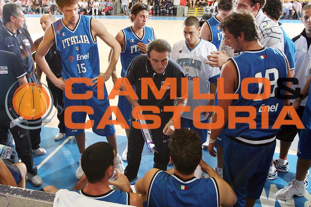 DESCRIZIONE : Bormio Torneo Internazionale Gianatti Italia Croazia <br /> GIOCATORE : Andrea Bargnani Carlo Recalcati<br /> SQUADRA : Nazionale Italia Uomini <br /> EVENTO : Bormio Torneo Internazionale Gianatti <br /> GARA : Italia Croazia <br /> DATA : 01/08/2007 <br /> CATEGORIA : Timeout<br /> SPORT : Pallacanestro <br /> AUTORE : Agenzia Ciamillo-Castoria/G.Cottini