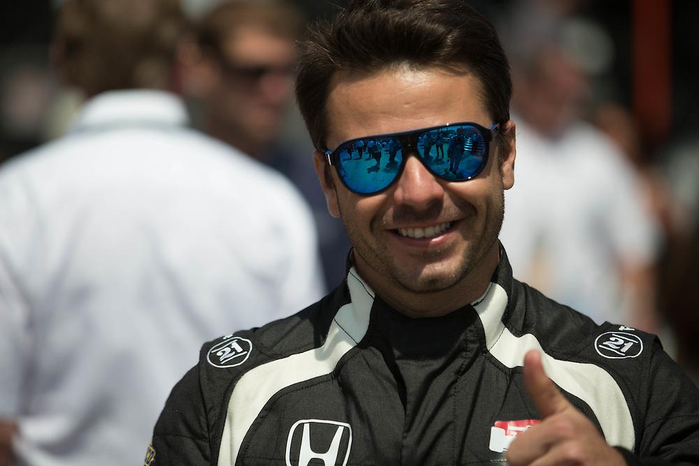 Oriol Servia in the pit LBGP 2014