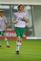 EDINBURGH, SCOTLAND - Friday, November 4, 2016: Republic of Ireland's Luca Connell in action against Scotland during the Under-16 2016 Victory Shield match at ORIAM. (Pic by David Rawcliffe/Propaganda)