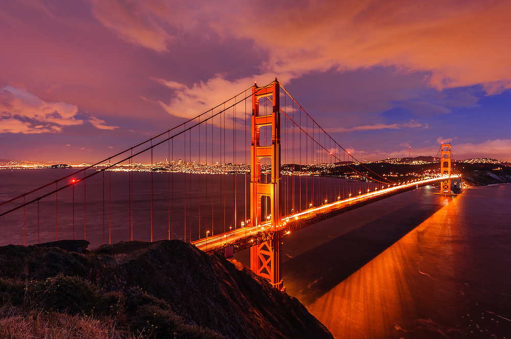 Golden Gate Bridge, Designed byJoseph Strauss, Irving Morrow, and Charles Ellis, San Francisco, California, USA