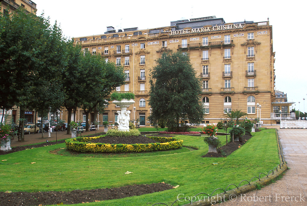 SPAIN, NORTH, BASQUE San Sebastian, Maria Cristina Hotel
