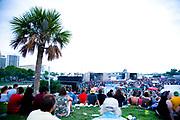 Crowds at the Vans Warped Tour, USA touring punk rock music festival, Bicentennial park, Miami, Florida, USA. 24th June 2006