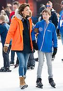 BIDDINGHUIZEN - BIDDINGHUIZEN - prinses margriet Prinses Marilene (L) en prins Maurits tijdens de tweede editie van De Hollandse 100 op FlevOnice, een sportief evenement van fonds Lymph en Co ter ondersteuning van onderzoek naar lymfeklierkanker.  COPYRIGHT ROBIN UTRECHT <br /> BIDDINGHUIZEN -  During the second edition of the Dutch 100 on FlevOnice, a sporting event fund Lymph and Co. to support research into lymphoma. COPYRIGHT ROBIN UTRECHT tijdens de tweede editie van De Hollandse 100 op FlevOnice, een sportief evenement van fonds Lymph en Co ter ondersteuning van onderzoek naar lymfeklierkanker.  COPYRIGHT ROBIN UTRECHT <br /> BIDDINGHUIZEN -  During the second edition of the Dutch 100 on FlevOnice, a sporting event fund Lymph and Co. to support research into lymphoma. COPYRIGHT ROBIN UTRECHT