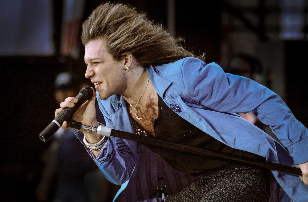 Is Bon Jovi Touring Uk