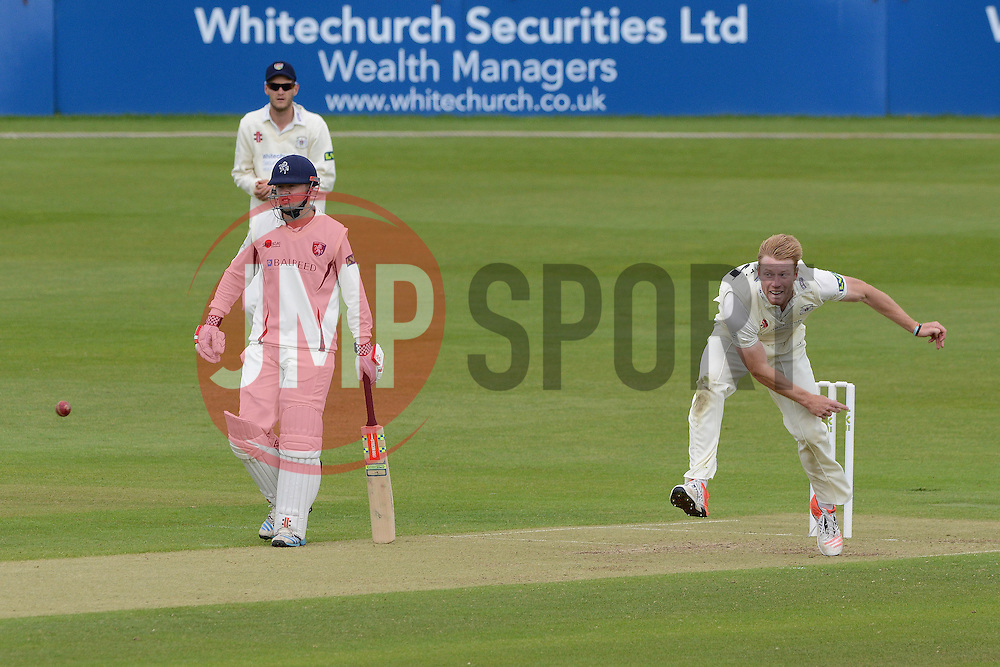 Liam Norwell of Gloucestershire - Photo mandatory by-line: Dougie Allward/JMP - Mobile: 07966 386802 - 19/05/2015 - SPORT - Cricket - Bristol - County Ground - Gloucestershire v Kent - LV=County Cricket Division 2