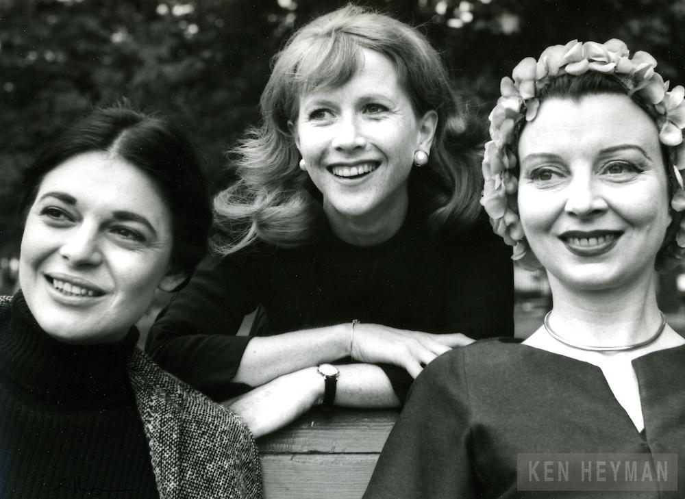 Anne Bancroft, Julie Harris, and Pamela Brown.