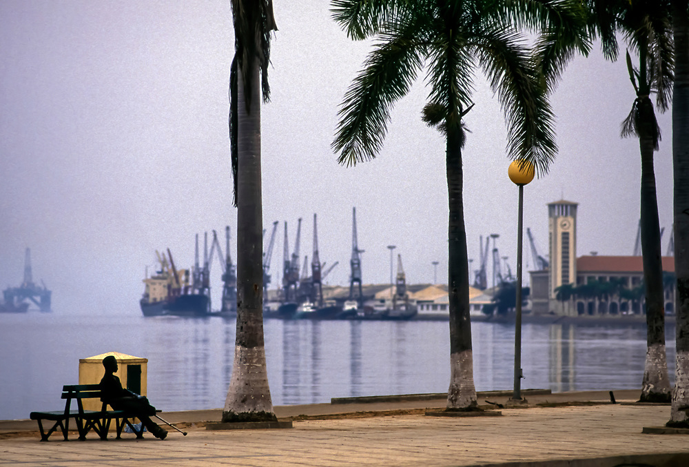 ANGOLA: Luanda<br /> A landmine victim on Luanda's promenade