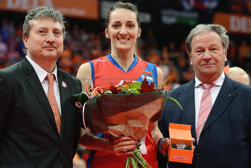 04-10-2015 NED: Volleyball European Championship Final Nederland - Rusland, Rotterdam<br /> Nederland verliest kansloos met 3-0 van het sterke Rusland / Maja Ognjenovic from Serbia best setter