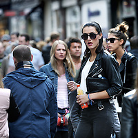 Nederland, Amsterdam , 30 augustus 2014.<br /> Zaterdag 16.00u in de Kalverstraat ter hoogte van Zara, het drukste tijdstip en drukste plek van deze winkelstraat.<br /> Foto:Jean-Pierre Jans